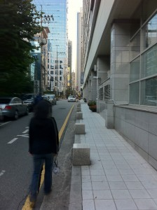 Walking by our old apartment, O'Ville, in Gangnam (강남), Seoul: October 1, 2011